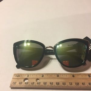 e9e22e1c72 Cotton On Accessories - NWT Rubi Gigi cat eye sunglasses